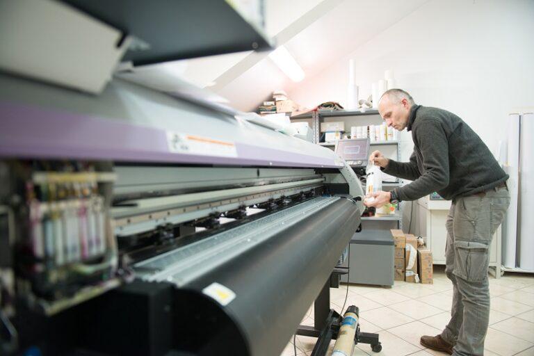 Jak szybko i sprawnie wykonać druk wielkoformatowy?