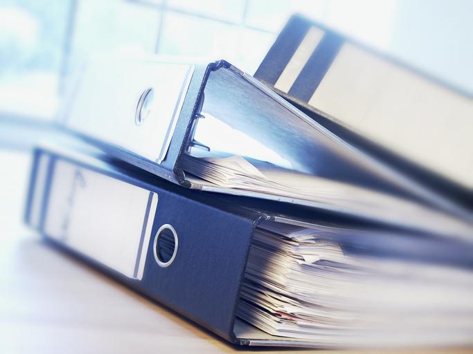 Jak archiwizować dokumenty trzymane w biurze?