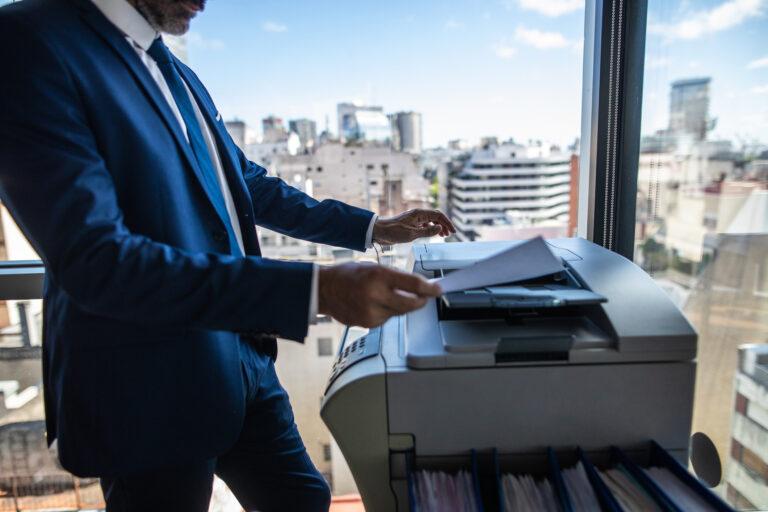 Czy drukarka monochromatyczna to dobry wybór dla biura?
